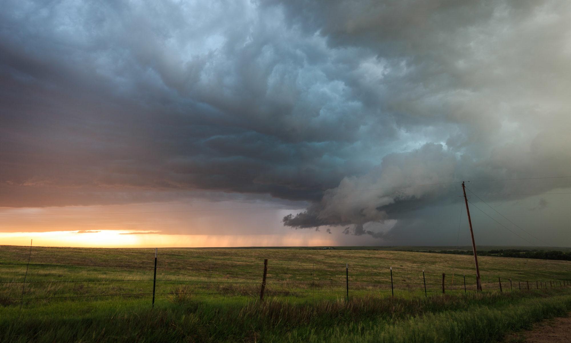 Supercellule à l'est du Kansas © TsWISsTER